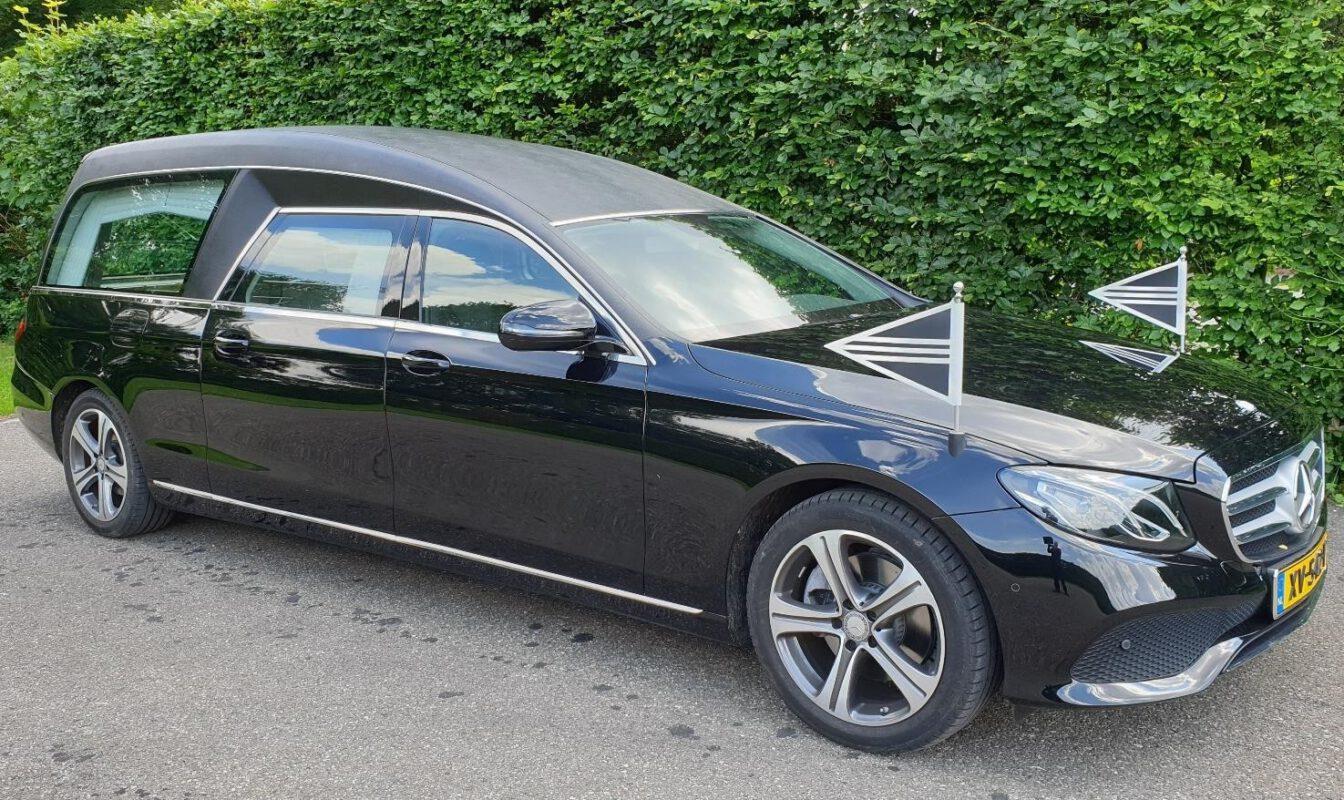 Rouwvervoer, Mercedes Benz, zwart, rouwauto