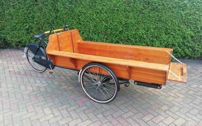 Rouwvervoer, rouwbakfiets, bijzonder, fiets, zijkant